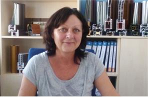 Vedoucí brněnské pobočky Okna Macek